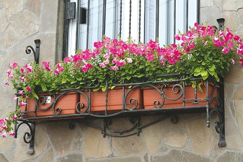 Цветочница на окно
