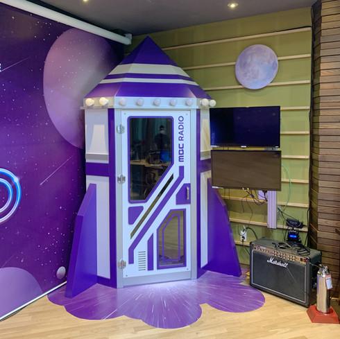 Idol Radio Rocket Entrance