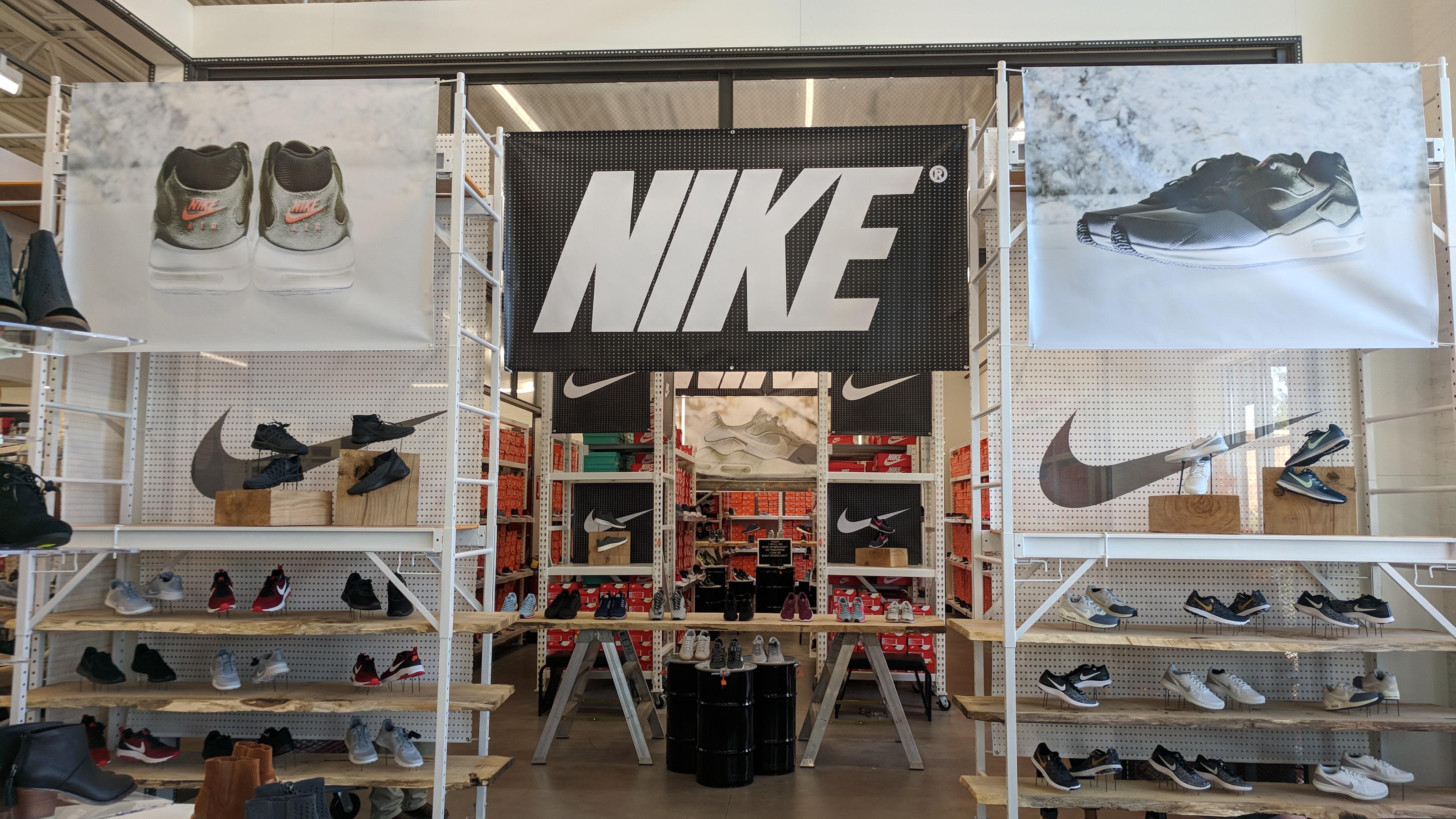 Nike Shop @ DSW Lab Store