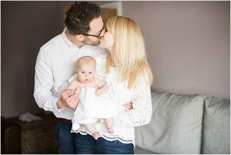 Cotswolds family photographer lifestyle shoot at home