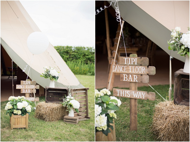 Wedding tipi Papakata rustic signs