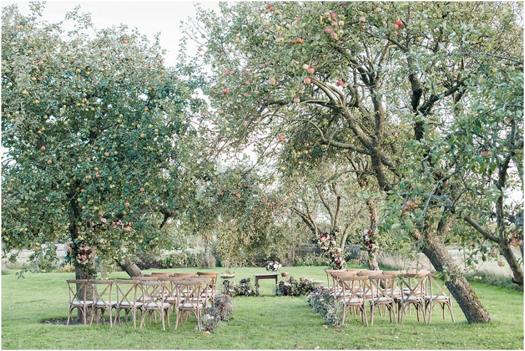How to Have a Luxurious, Laid-back Gloucestershire Wedding