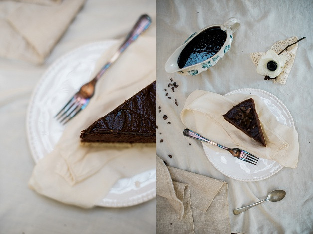 boho wedding styling for an outdoor Cotswolds wedding with gluten free chocolate cake