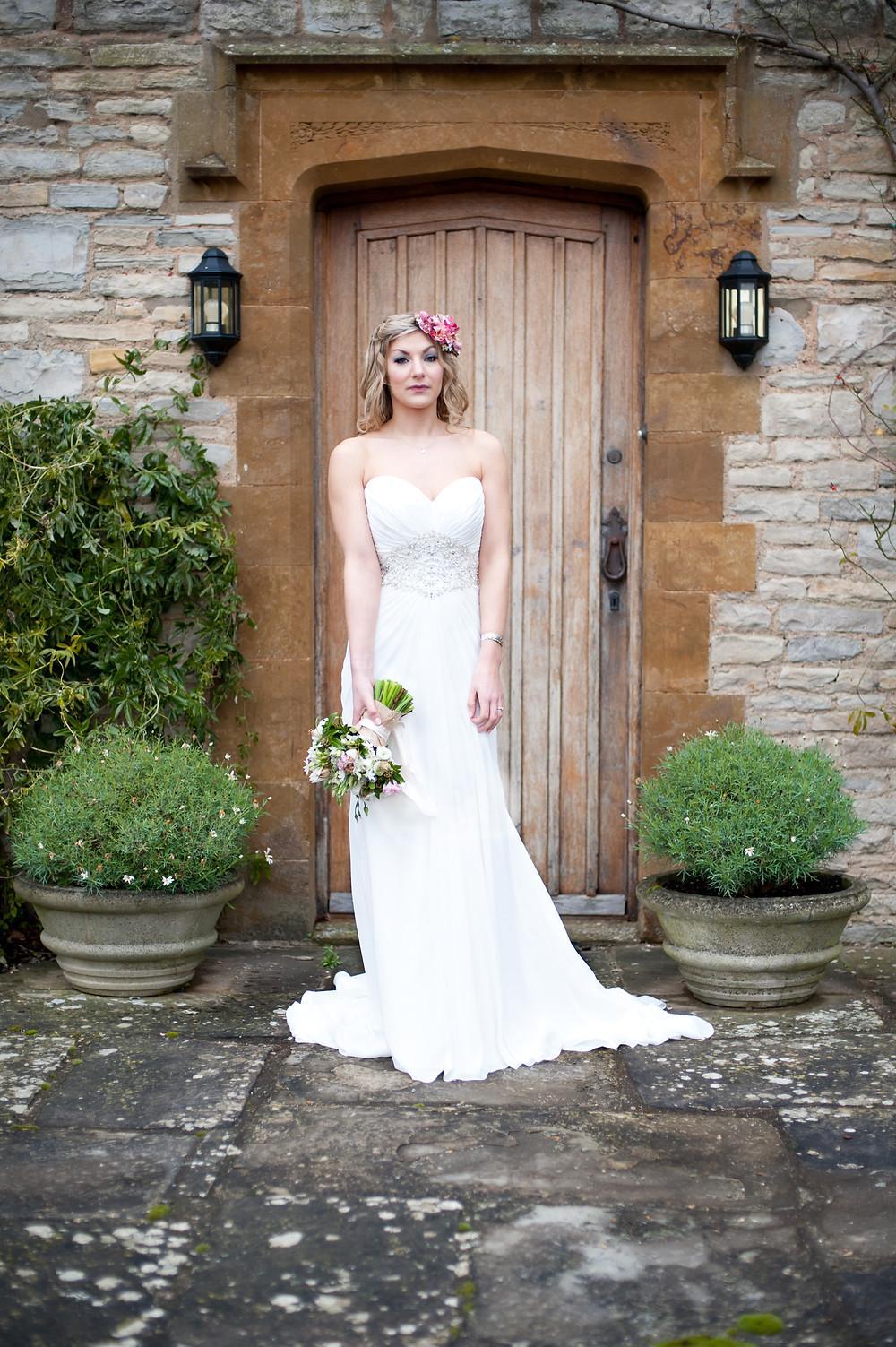 rustic bride Jessica Ley brides The Moat House Dorsington