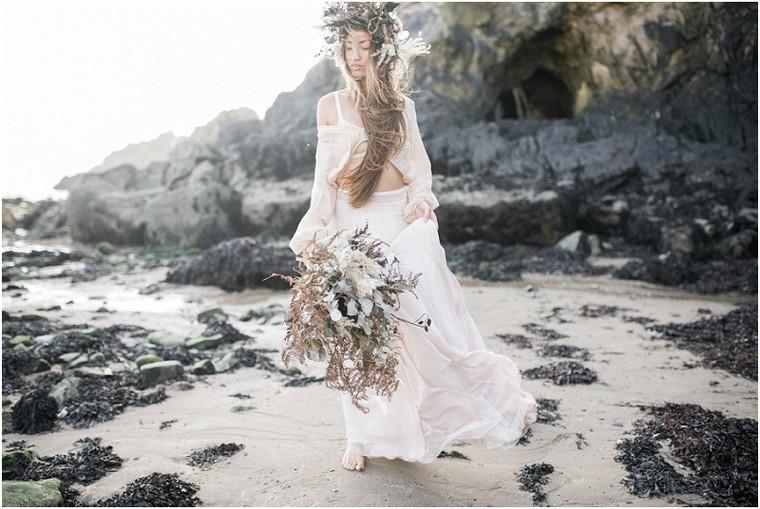 Earthy and etheral coastal wedding shoot