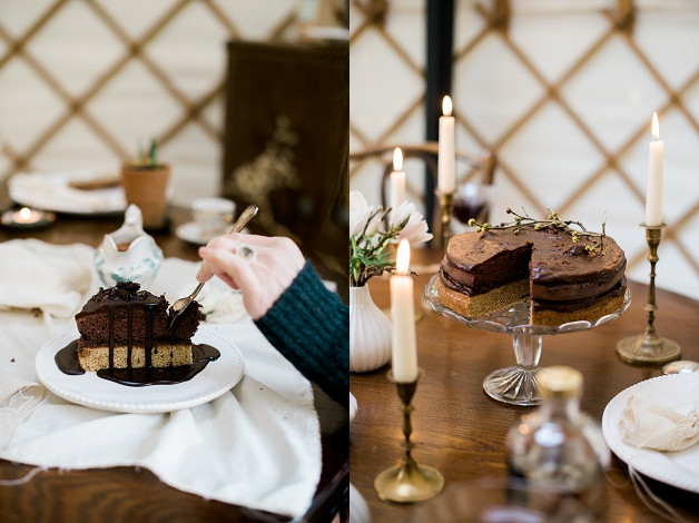 boho wedding styling for an outdoor Cotswolds wedding and gluten free organic chocolate cake