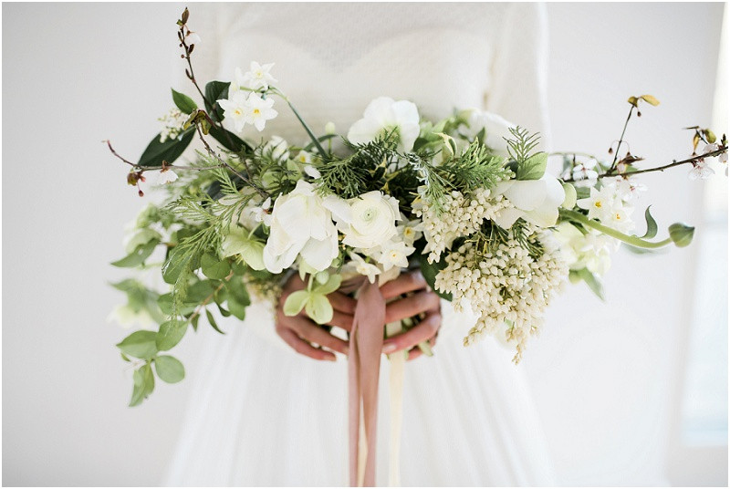 Cotswolds marquee wedding venue white simplicity fine art green and white flower bouquet