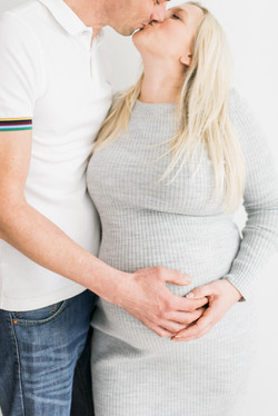 Cotswolds maternity photographer