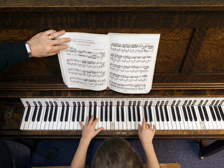Why Secondhand Instruments Are A Great Option For Lessons