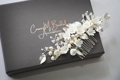 flower, pearl and leaf hair comb