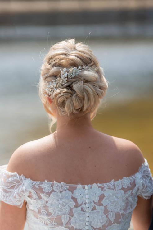 bride hair style Amelia comb