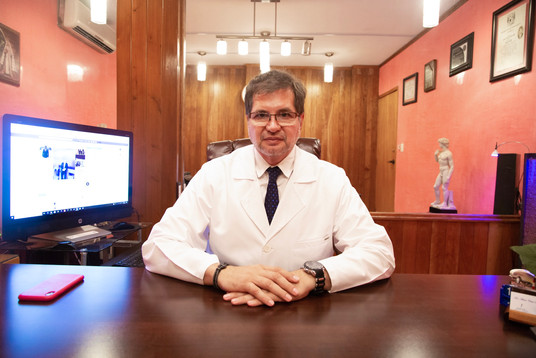 Dr Mario Paredes.jpg