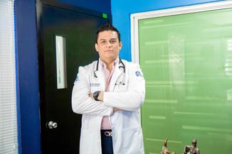 Dr Erick Reyes Maldonado.jpg