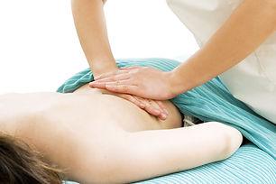 masaje-descontracturante-espalda-baja-1.