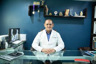Dr Eddy Quevedo.JPG