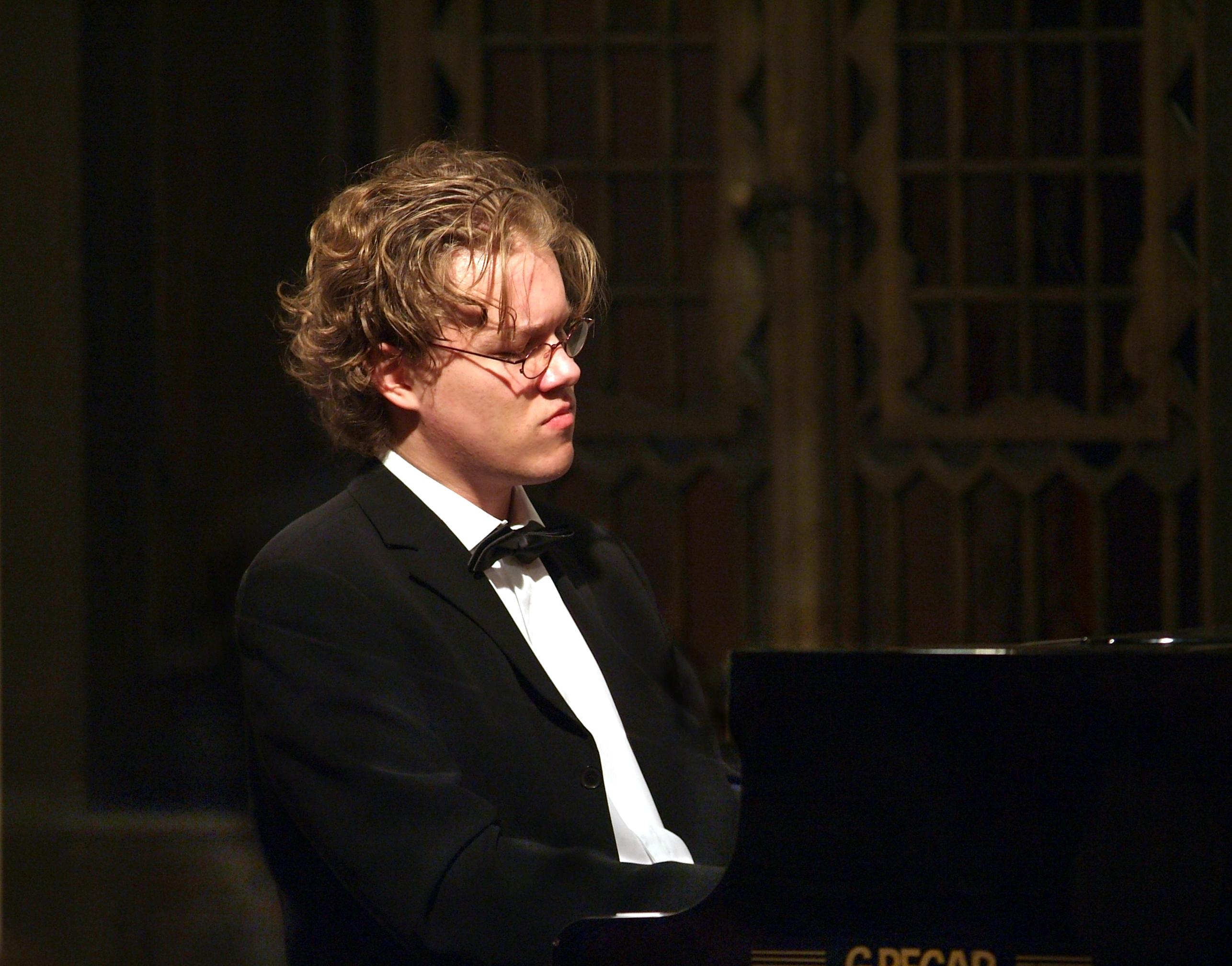 Jakub Cizmarovic  - Pianist