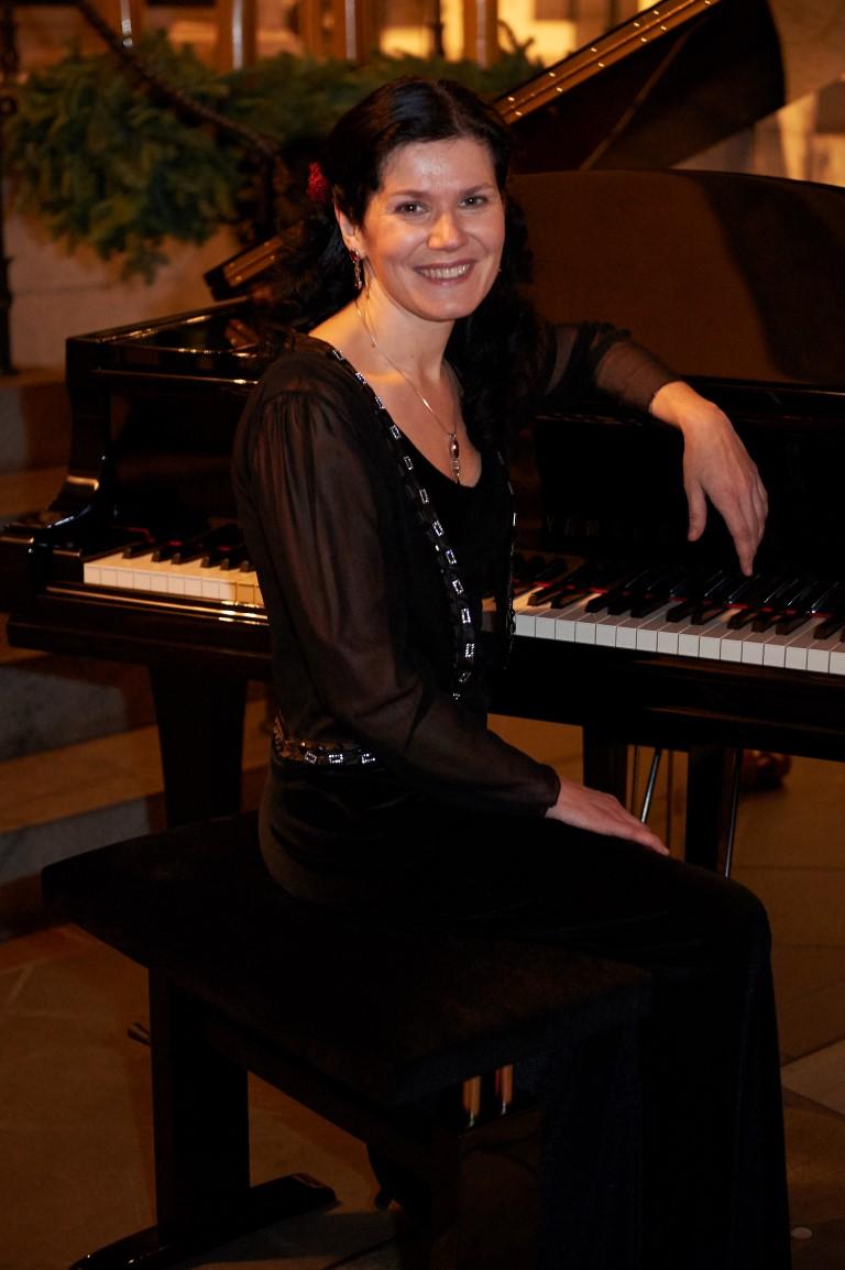 Gabriella Brezóczki - Pianistin