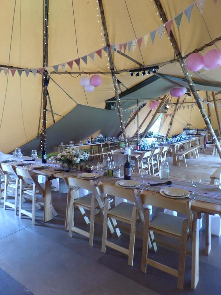 Tipi Tables