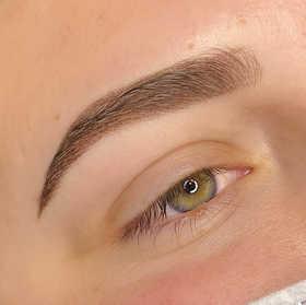 beautyandblade_gemma_2_closeup.jpg