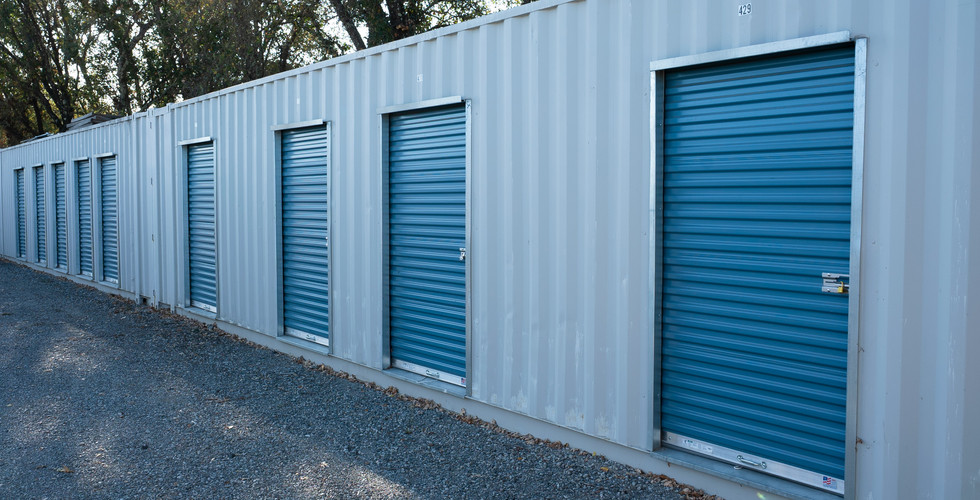 Row of Storage at Payless Storage Cloverdale