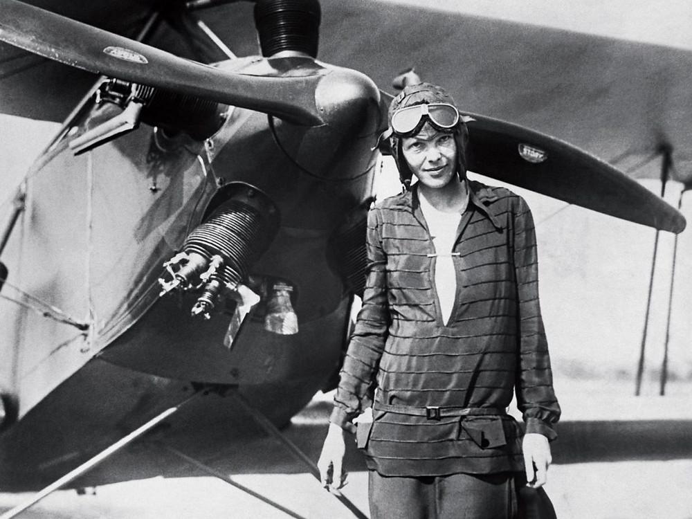 Amelia Earheart — Primeira mulher a cruzar o Atlântico voando