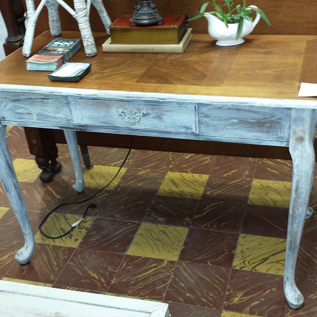 Shabby Chic Romantic Desk_#whiteowlmarket #stpete #600block #stpete #crisliparcade #homedecor #furni