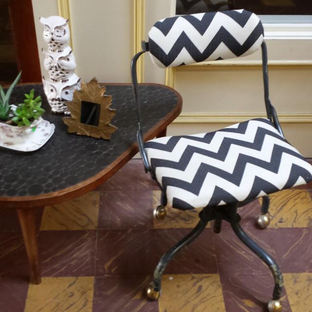 Just in!!! Vintage desk chair