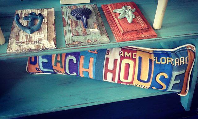 Life's a beach_#beachhouse #starfish #anchor #shells #beachcottage #coastalliving #wallhooks