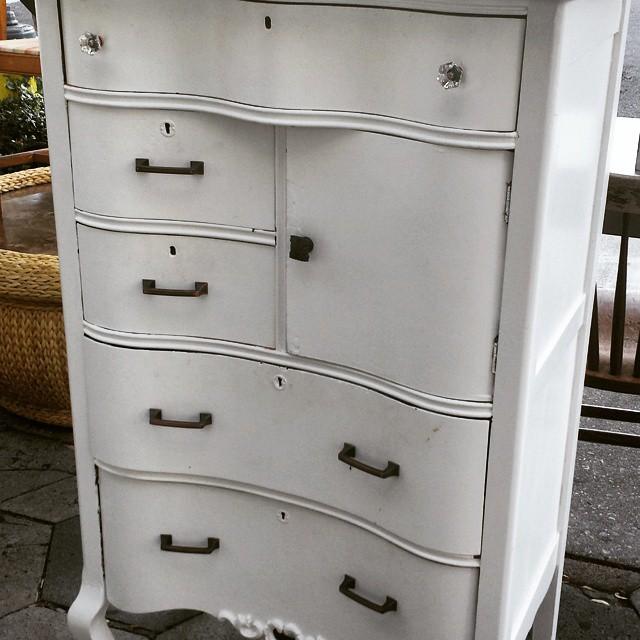 Great Antique Dresser _#furniture #funstuff #vintage #homedecor