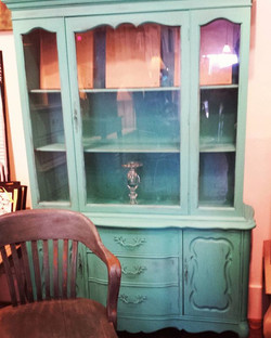 In love with turquoise!_#furniture #coolstuff #eclectic #homedecor #600blockstpete #instaBURG #igers
