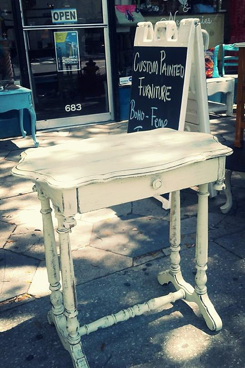 COTTAGE STYLE PALE YELLOW ANTIQUE ACCENT TABLE