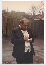 4 - Илья работал и на прогулках 1980.jpg