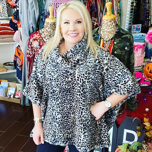 One Size Fits All Leopard Poncho With Pockets Blk/Grey