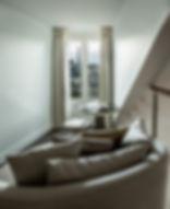 Duplex suite 1103 love chair + vue.jpg