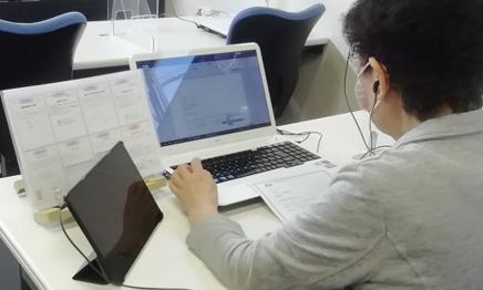 パソコン村 諫早教室 ワードの表作成 順調です。