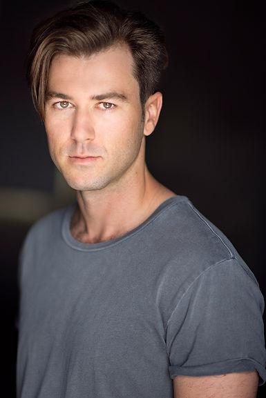Headshot - Elliot Howard.jpg