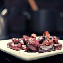 Cabernet Sauvignon and garlic mushrooms