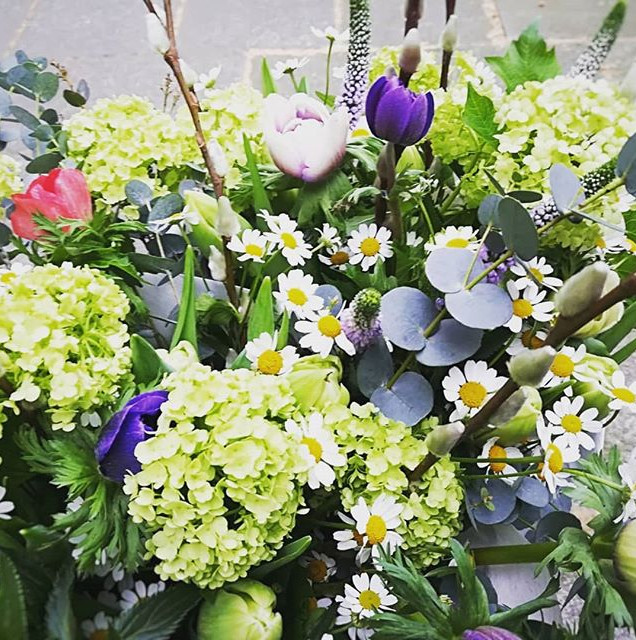 Tante Fin's Florals & retro deco