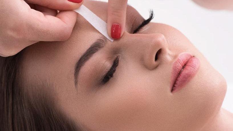 Eyebrow Wax Female