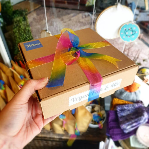 Vegan Mixed Sweets Gift Boxes 700g