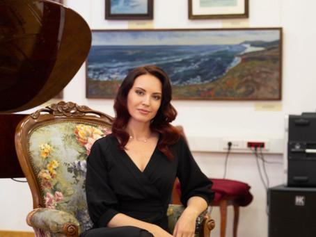 Заглянуть в «Зеркало мира» предлагает костромская художница Наталья Андрейченко