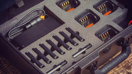 Встроенные зарядные устройства в кейсе S