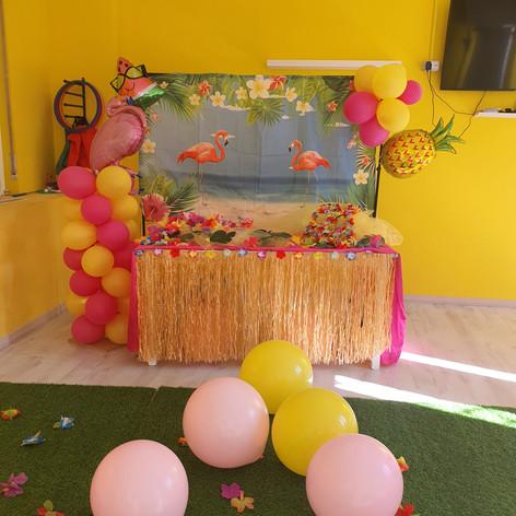 Happy Family Bakery - Hawai Party