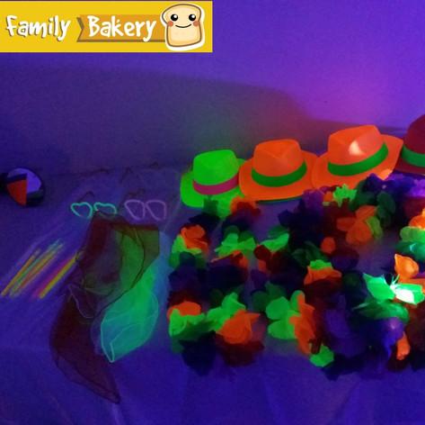 Happy Family Bakery - Fluo Party