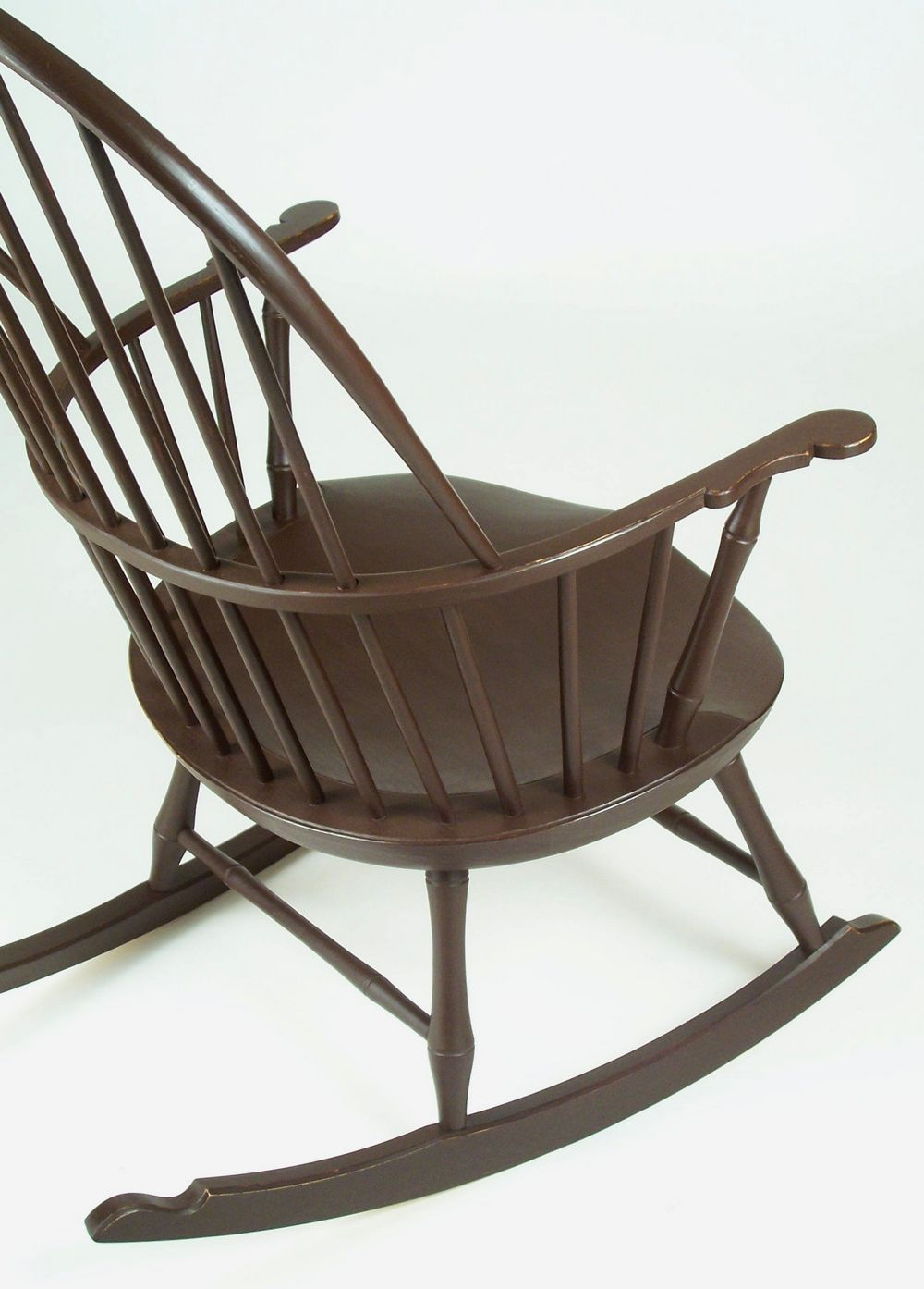 Sack-back Windsor Rocker