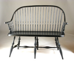 Continuous-Arm Settee