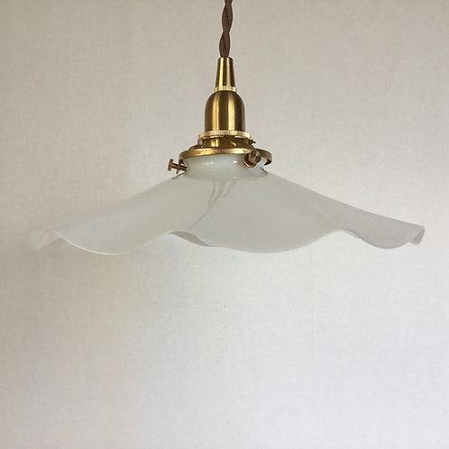 フランスアンティーク ガラス ランプシェード オパリン (ミルク) フリル (シェードのみ)