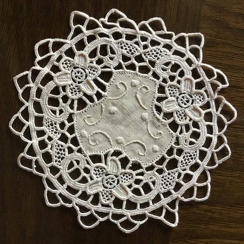 (在庫2) フランス アンティーク ドイリー コースター エクリュ ニードルポイント 刺繍 14.5 cm