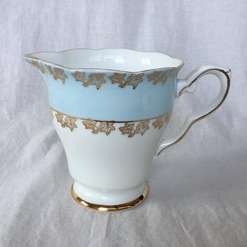 イギリス ビンテージ  GLADSTONE グラッドストーン ミルクポット ミルクジャグ ライトブルー 水色 白 金彩