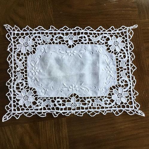フランス アンティーク コットン ドイリー テーブルセンター 白刺繍  ニードルポイント 33 x 23 cm